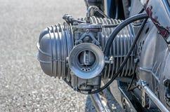 Närbild av en cylinder på en motorcykel Fotografering för Bildbyråer