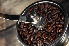 Närbild av en gammalmodig kaffegrinder Royaltyfria Bilder