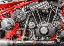 Närbild av en motor på en avbrytarcykel Horisontalsidosikt av Royaltyfri Foto