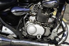 Närbild av en motorcykelmotor fotografering för bildbyråer