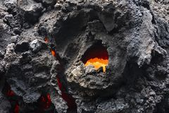 Närbild av ett lavaflöde av vulkan Kilauea på Hawaii royaltyfri foto