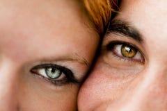 Närbild av ett ungt par royaltyfri fotografi