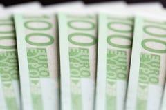 Närbild av 100 Eurosedlar Royaltyfria Bilder
