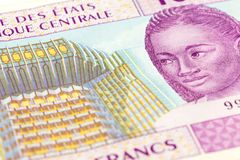 Närbild av för afrikanCFA för singel 10000 en central sedel för franc royaltyfri bild
