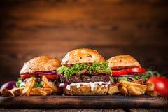 Närbild av hem- gjorda hamburgare Royaltyfria Foton