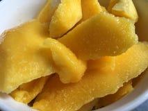 Närbild av mangofruktstycken Royaltyfria Foton
