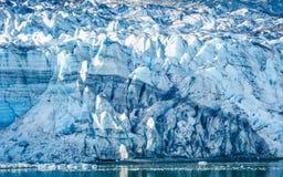 Närbild av Margerie Glacier i Alaska Arkivbilder