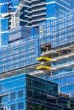 Närbild av moderna byggnader under konstruktion i Melbourne Arkivfoto