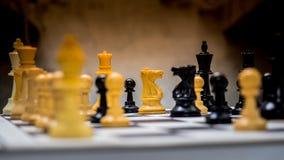 Närbild av schackstycken fotografering för bildbyråer