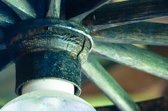 Närbild av trägarnering för lamp` s royaltyfri fotografi