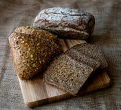 Närbild av traditionellt bröd. Sund mat. Royaltyfri Fotografi