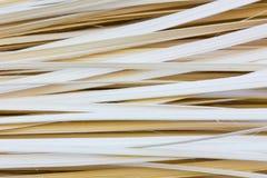 Närbild av tunna bambuband som används för bakgrund Arkivfoto