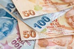 Närbild av turkiska sedlar, olika räkningar Arkivfoto