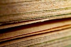 Närbild för gamla böcker, abstrakt bakgrund, kunskap arkivbilder