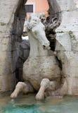 Närbild på den Fontana deien Quattro Fiumi Arkivbilder