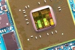 Närbild på en CPU-mikrochipsintrig royaltyfria foton