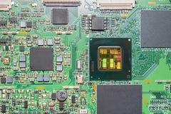 Närbild på en CPU-mikrochipsintrig Arkivbilder