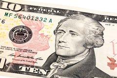 Närbild staplad stående av presidenten Hamilton på 10 dollar b Arkivbilder
