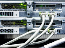 Närbild, trådar och kontaktdon för Routersupercomputerkugge royaltyfri foto