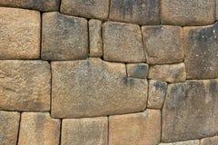 Närbilddetalj av det Inca Ashlar Wall Precise Stone kvarteret som fogar ihop, Machu Picchu, Peru fotografering för bildbyråer