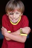 Närbilden av vresigt piratkopierar pojken Royaltyfri Bild