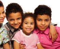 Närbildstående av den svart familjen royaltyfri foto