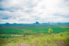 Närliggande Brisbane för glashusberg stad i Queensland, Australien Australien är en kontinent som lokaliseras i den södra delen a arkivfoton