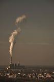Närliggande kraftverk staden arkivfoto