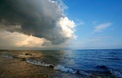 närmande sig storm Arkivbilder
