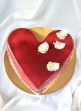 Närvarande kaka för de som är förälskade Royaltyfria Bilder