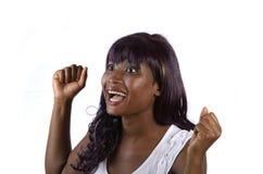 Nätt afrikansk flicka glädjande Royaltyfria Bilder