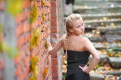 nätt blond flicka Arkivbild
