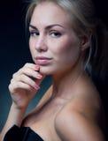 Nätt blond kvinna Arkivbilder