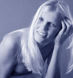 Nätt blond stående Royaltyfria Foton