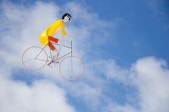 Nätt cyklistdrake Fotografering för Bildbyråer