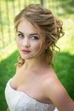 Nätt flicka i en plädskjorta Royaltyfri Fotografi