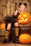 Nätt halloween flicka Arkivbilder