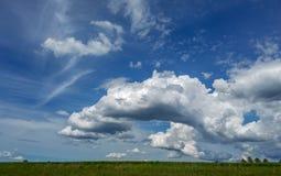 Nätt himmel i South Dakota royaltyfria foton
