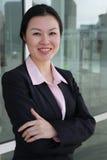 Nätt kinesisk affärskvinna Arkivbild