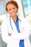 nätt kvinna för afrikansk sjuksköterska Royaltyfri Bild