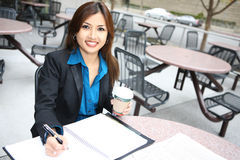 nätt kvinna för asiatisk affär Arkivbild