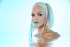 nätt kvinna för makeup royaltyfri foto