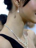 nätt kvinna för smycken Arkivbilder