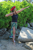 Nätt kvinna på stranden Arkivbilder