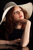 nätt kvinnabarn för hatt arkivbilder