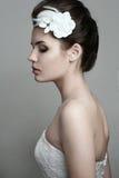 Nätt kvinnlig med brud- smink Royaltyfria Foton