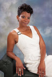 Nätt le för svart kvinna Arkivfoton