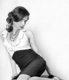 nätt retro stiltappningkvinna royaltyfri fotografi