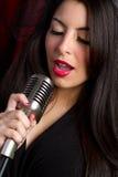 nätt sångare Arkivfoto