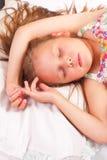 Nätt sova för liten flicka Arkivfoto